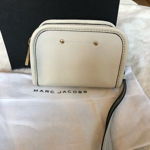 Marc Jacobs Bags - Marc Jacobs Small Camera Bag Wristlet